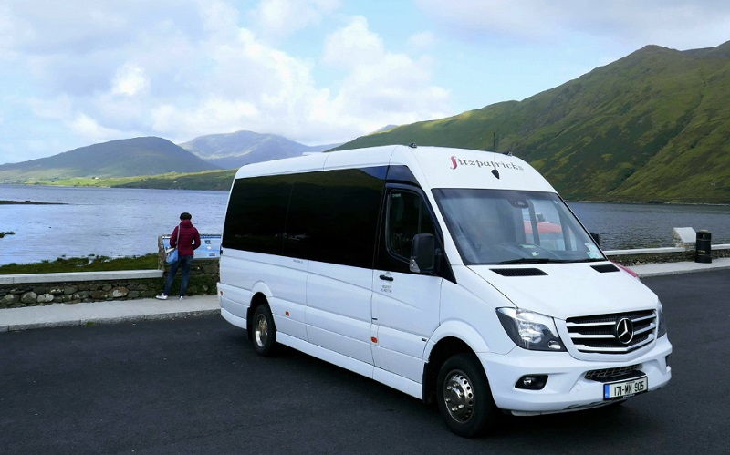 COACH & BUS HIRE FOR SCHOOL TRIPS